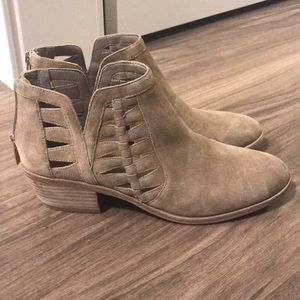Vince Camuto Flat Low Ankle Boot